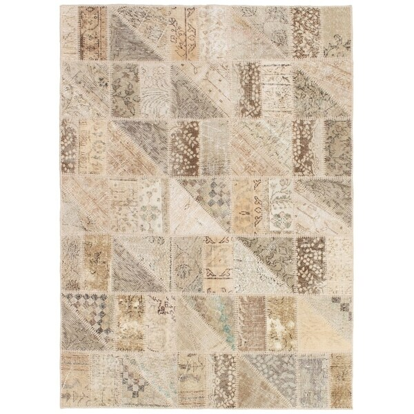 eCarpetGallery Hand-knotted Vintage Anatolia Khaki Wool Rug - 4'9 x 6'7