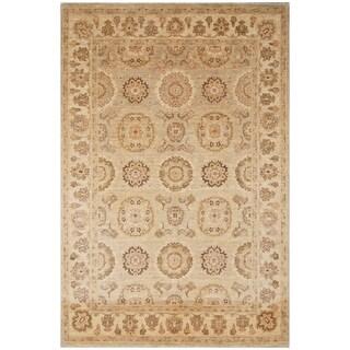Handmade Vegetable Dye Khotan Wool Rug (Afghanistan) - 5'1 x 7'7