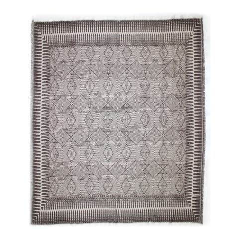 Aurelle Home Beige Soft and Durable Transitional Throw Blanket