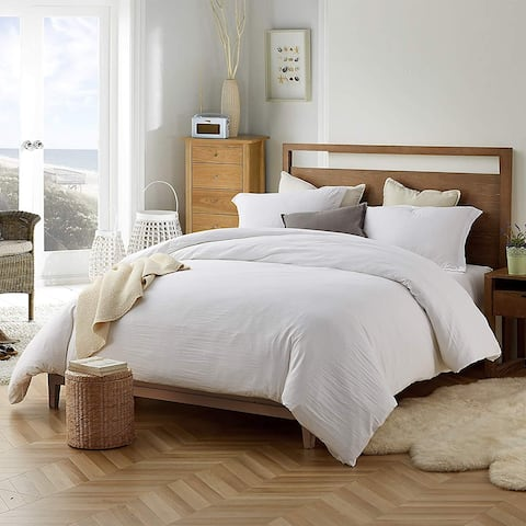 Porch & Den Arlinridge White Comforter