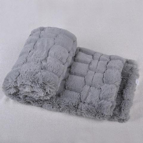 BOON Honeycomb Faux-Fur Throw Blanket