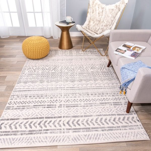 The Curated Nomad Midtown Geometric Distressed Bohemian Rug