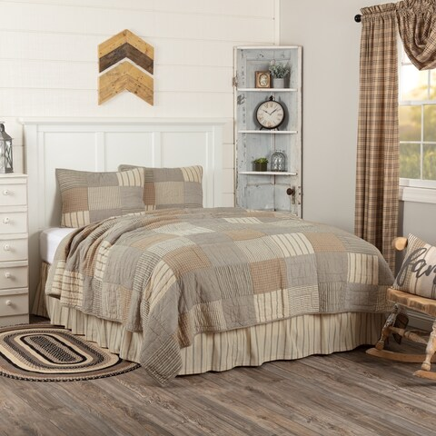 Grey Farmhouse Bedding Miller Farm Quilt Set Cotton Chambray (Quilt, Sham)
