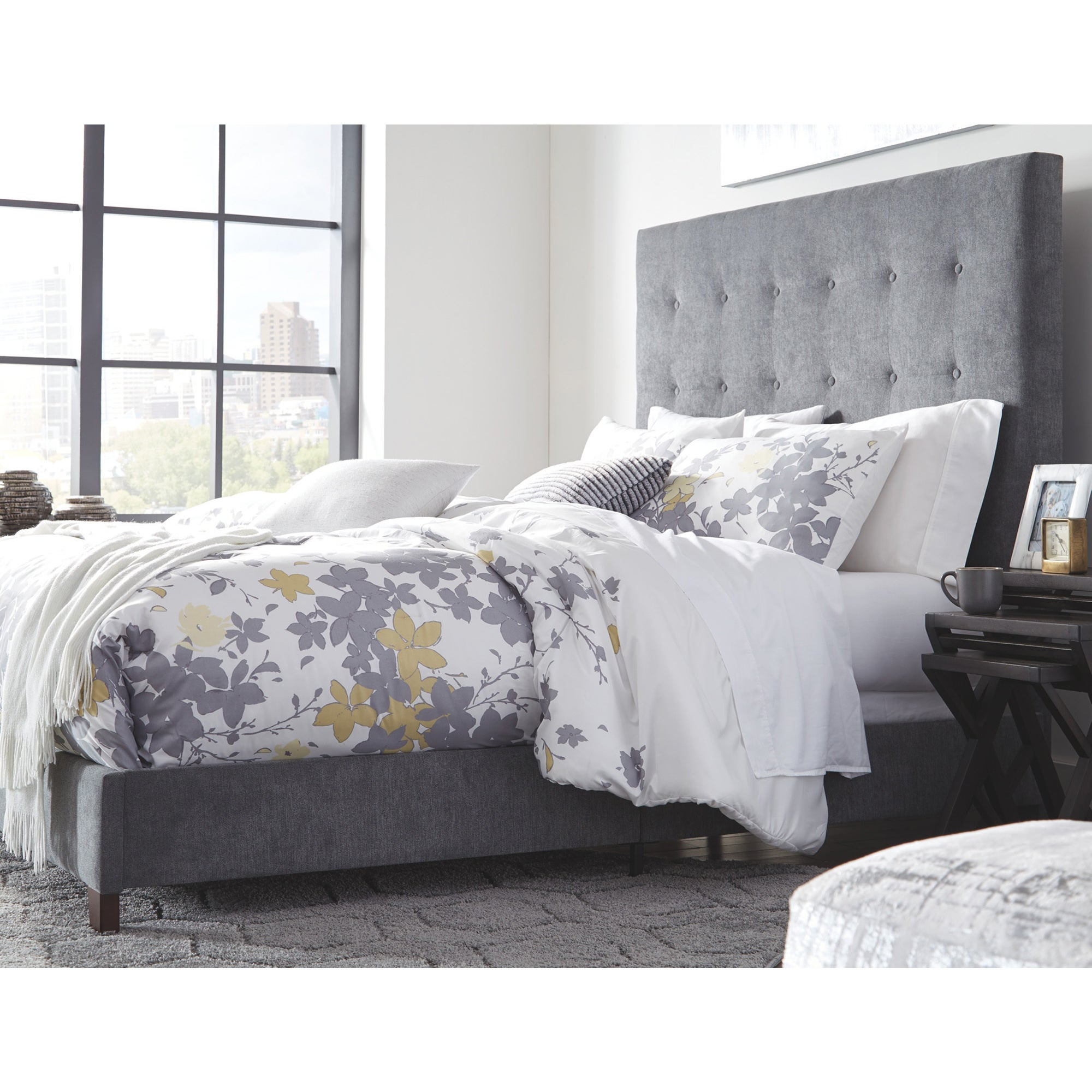 Dolante Queen Upholstered Bed Multi Overstock 26427125