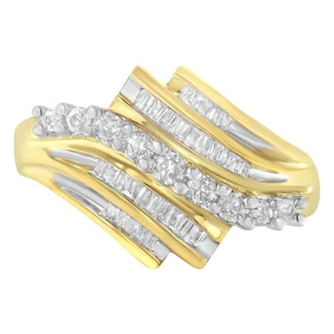10k Yellow Gold 1/2ct TDW Round and Baguette Diamond Cut Ring(I-J, I1-I2)