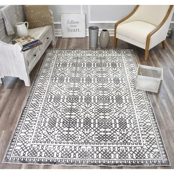 CosmoLiving Classique rug