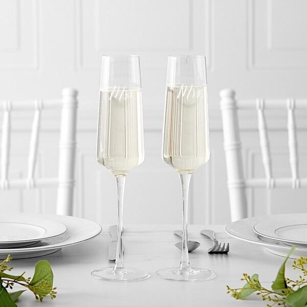 Mrs & Mrs 9.5 oz Wedding Champagne Estate Glasses (Set of 2)