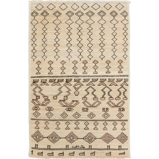 eCarpetGallery  Hand-knotted Shalimar Cream Wool Rug - 3'9 x 5'11