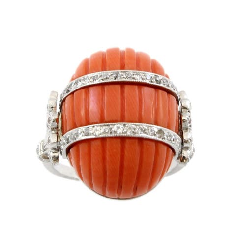 Platinum Carved Coral and Diamond Antique Ring (J-K,VS1-VS2)