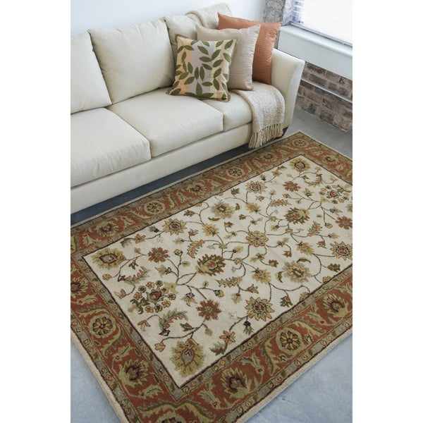 Hand-tufted Camelot Beige Wool Area Rug (8' x 11')