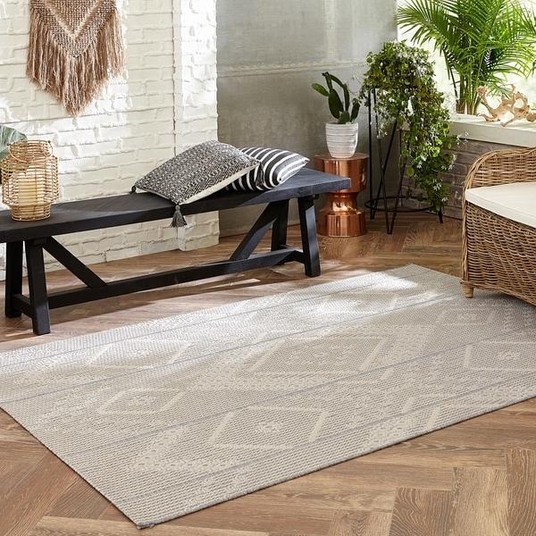 Havenside Home Kachemak Indoor/ Outdoor Tribal Gray/ Cream Area Rug
