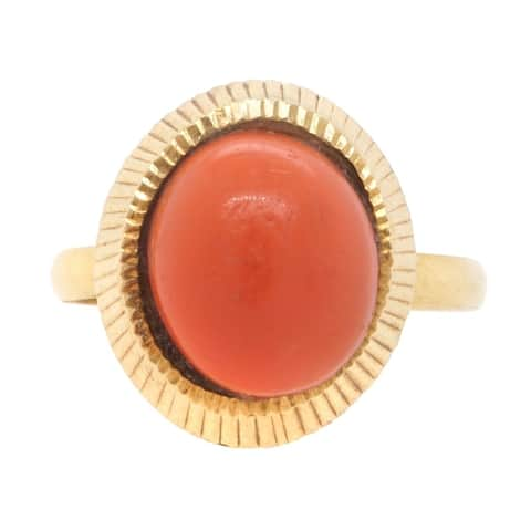 18K Yellow Gold Antique Coral Ring (Size 7)