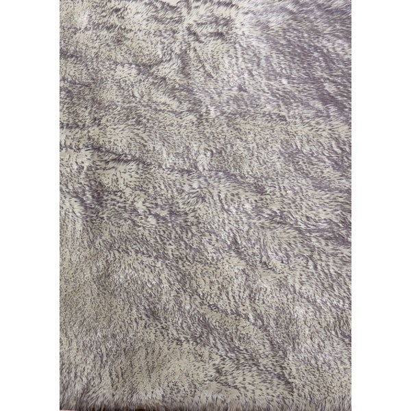 shop white gray faux fur throw rug 50 x 60 free shipping today overstock 26517292. Black Bedroom Furniture Sets. Home Design Ideas