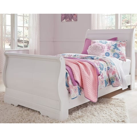 Anarasia White Sleigh Bed.