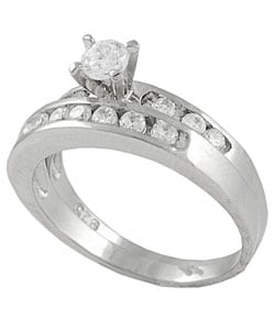Journee Collection Sterling Silver Round Cut Bridal and Engagement CZ Ring - Thumbnail 1