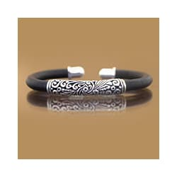 Frangipani Elongated Traditional Balinese Tube Bead on Black Rubber Band Vegan Friendly Womens Cuff Bracelet (Indonesia)