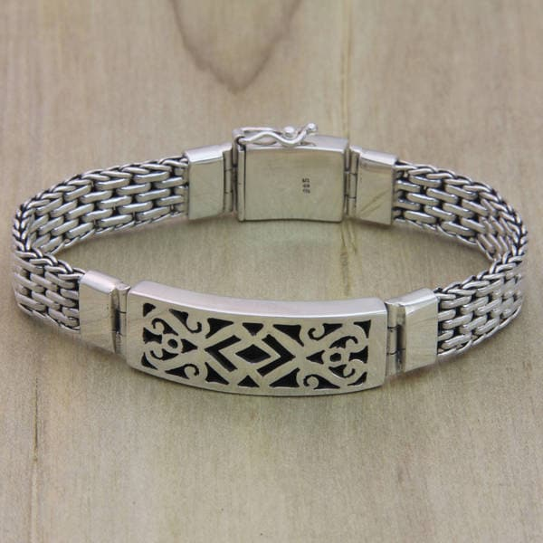 Handmade Men's 'Balinese Warrior' Fretwork Sterling Silver Plaque-style Bracelet (Indonesia)