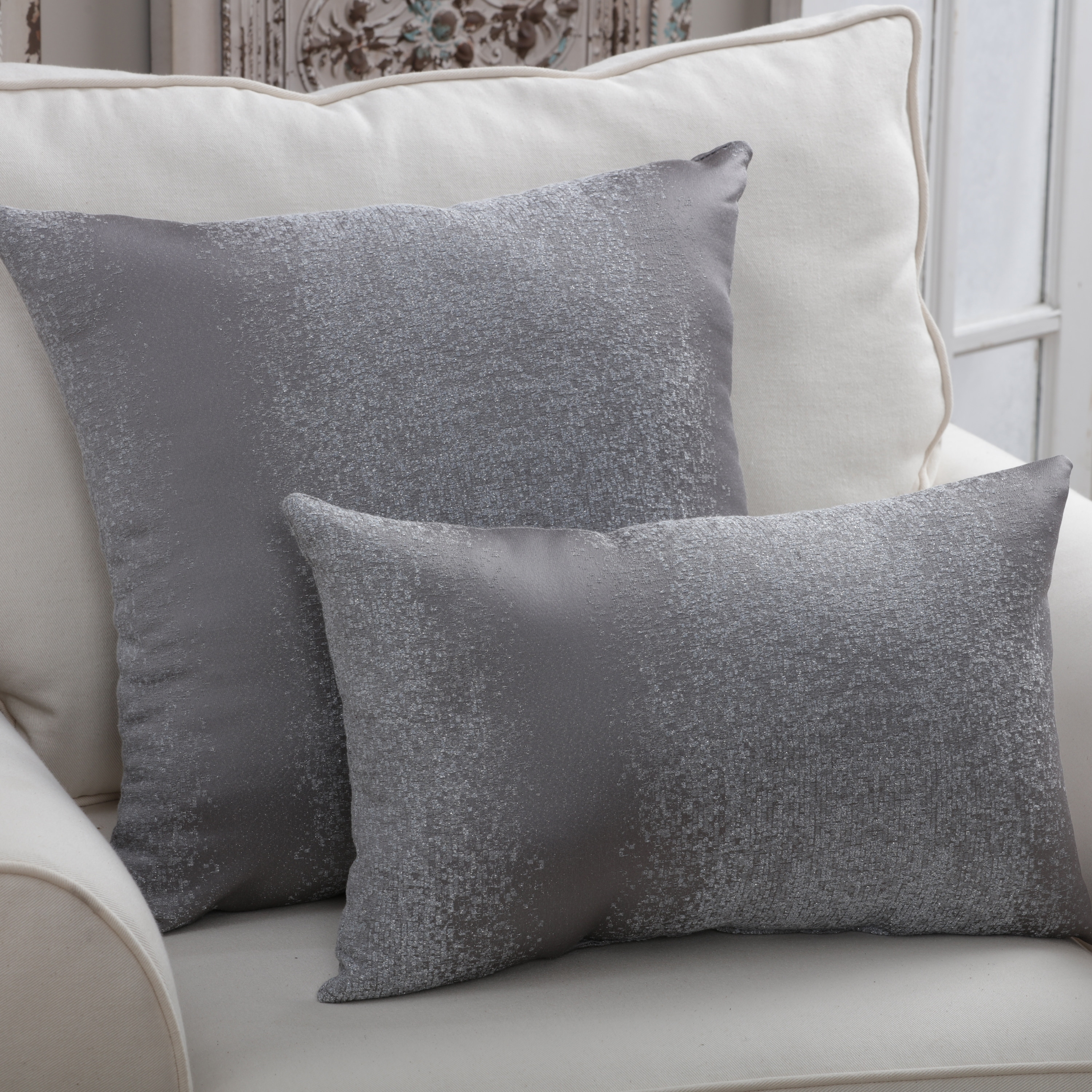 Www Rooms To Go Com: Pewter Sofa Pillows