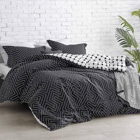 Carson Carrington Coagh Black and White Oversized Comforter