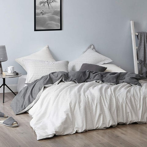 Contrarian - Black and White - Oversized Duvet Cover - 100% Cotton Bedding