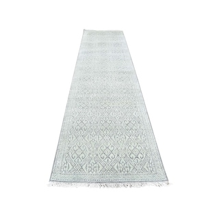 """Shahbanu Rugs Hand-Knotted Tone on Tone Silk with Oxidized Wool Runner Oriental Rug (2'7"""" x 10'4"""") - 2'7"""" x 10'4"""""""
