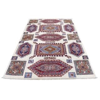 "Shahbanu Rugs Super Kazak Pure Wool Geometric Design Hand-Knotted Oriental Rug (4'1"" x 6'1"") - 4'1"" x 6'1"""