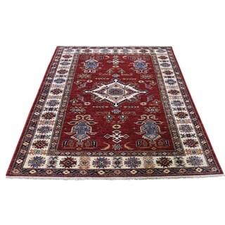 "Shahbanu Rugs Super Kazak Pure Wool Geometric Design Hand-Knotted Oriental Rug (4'2"" x 5'5"") - 4'2"" x 5'5"""
