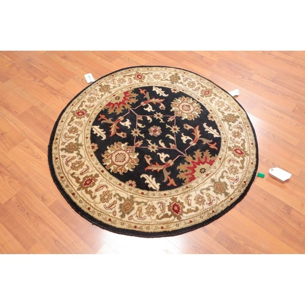 "Hand Knotted Agra Wool Round Oriental Area Rug (4'1""x4'1"") - 4'1"" x 4'1"""