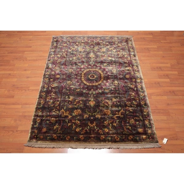 Antique Finish Savonerrie Hand Knotted Wool Pile Area Rug (5'x8') - 5' x 8'