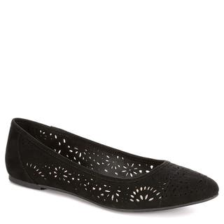 XAPPEAL Womens Adilene Perforated Slip On Flat Shoes