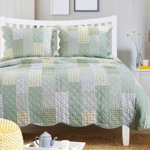 Porch & Den Lebanon Cotton Oversized Reversible Quilt Set