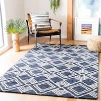 Safavieh Handmade Micro-Loop Rengina Wool Rug