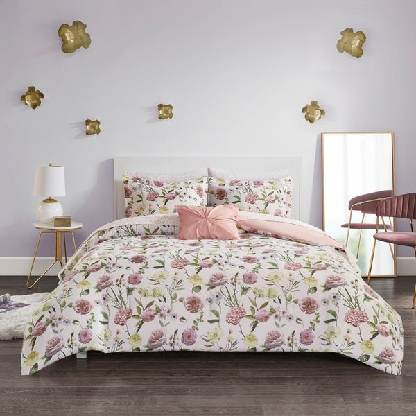 Intelligent Design Sophia Blush Comforter and Sheet Set