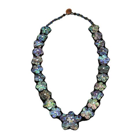 Handmade Mystic Daisies Linked Flowers of Shell Beaded Statement Necklace (Thailand)