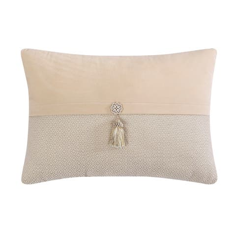 Veratex Brielle 14 x 20 Tassel Throw Pillow