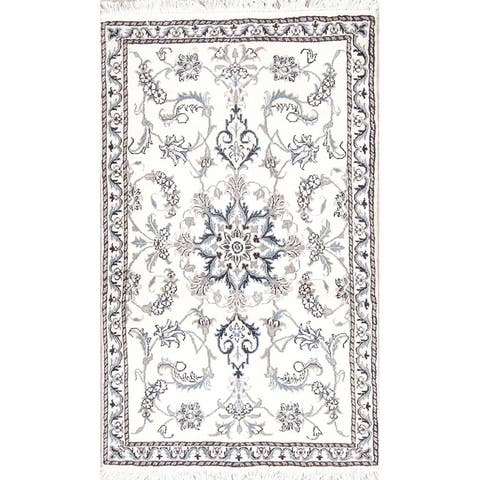 """Nain Floral Hand Knotted Wool Persian Area Rug - 4'7"""" x 2'9"""""""