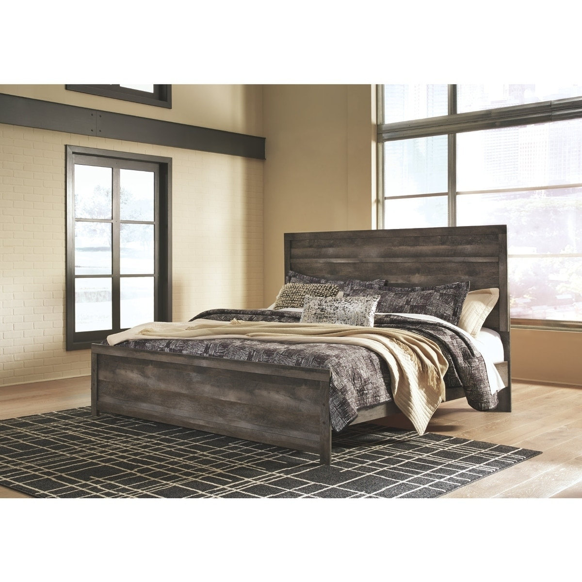 sale retailer 5c9d8 1e57a Wynnlow Grey Panel Bed.