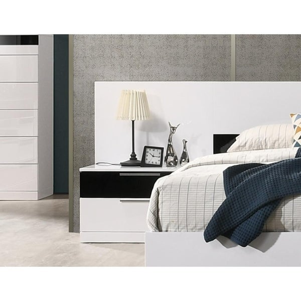 Best Master Furniture 2 Drawer Black/ White Nightstand