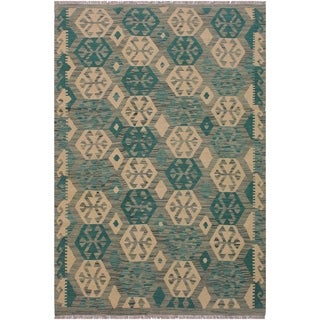 Kilim Camellia Lt. Green/Beige Hand-Woven Wool Rug -5'0 x 6'5 - 5 ft. 0 in. X 6 ft. 5 in.
