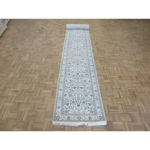 """Hand Knotted Ivory Nain with Wool & Silk Oriental Rug (2'9"""" x 16'4"""") - 2'9"""" x 16'4"""""""