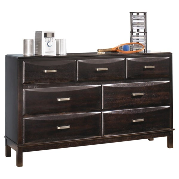 Ashley Furniture Kira 7 Drawer Dresser: Contemporary Style