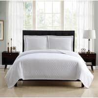 Veratex Diamond Matelasse Quilted King Size Coverlet in Ivory (As Is Item)