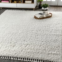 The Gray Barn Cattail Hollow Shag Plush Tassel White Area Rug - 5'3 x 7'6