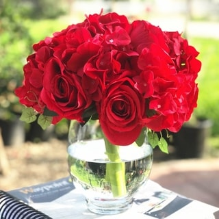 Enova Home Red Artificial Silk Rose and Hydrangea Flower Arrangements with Glass Vase