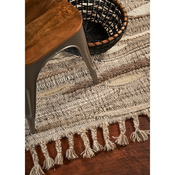 Domani Casual Ivory Hand-Knotted Area Rug