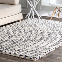Porch & Den Macondray Plush Solid Chevron Shag Rug