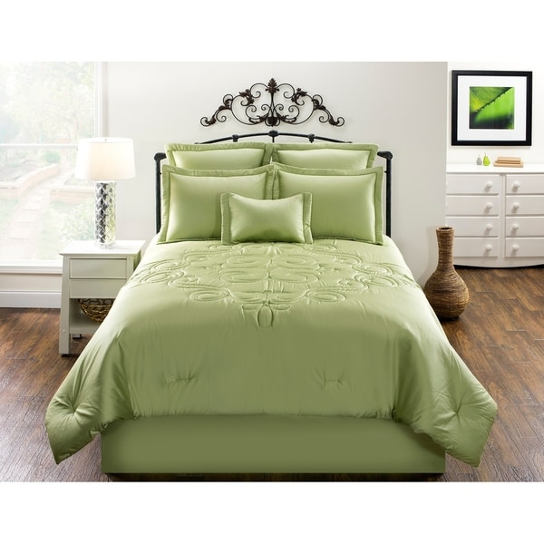 Waldorf Solid Green Cotton comforter set. Opens flyout.