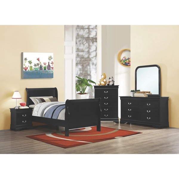 Starkwood Traditional 4-piece Bedroom Set