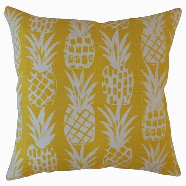 The Pillow Collection Yamka Graphic Decorative Throw Pillow