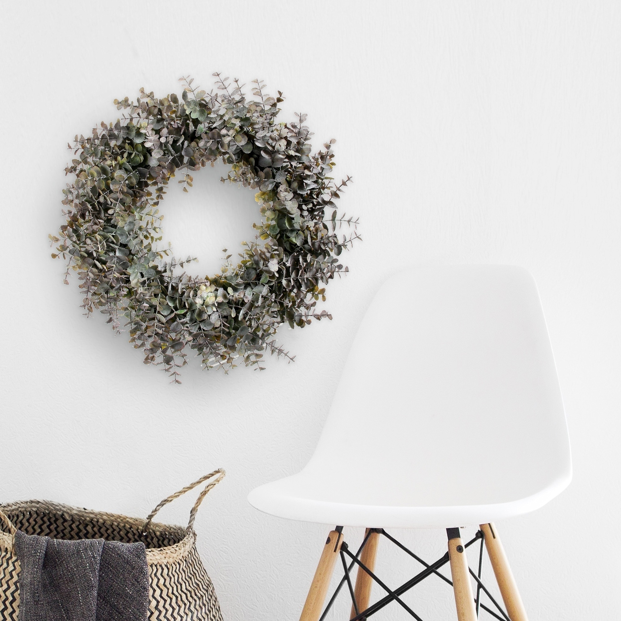 Frosted Eucalyptus Wreath 20 - Plastic (Green Grey)